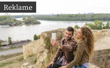 Et par tager et selfie
