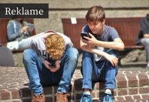 Børn med mobiltelefoner